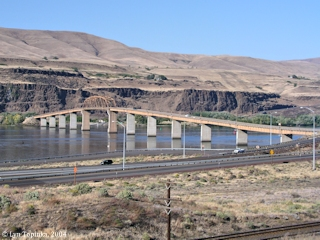 Image, 2004, Highway 97 Bridge from Biggs Junction, Oregon, to Maryhill, Washington, click to enlarge