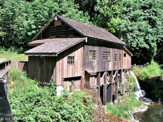 Image, 2005, Cedar Creek Grist Mill, click to enlarge