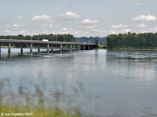 Image, 2003, Interstate 205 Bridge and Government Island, click to enlarge