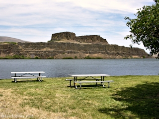 Image, 2005, Horsethief Butte, Horsethief Lake, Washington, click to enlarge