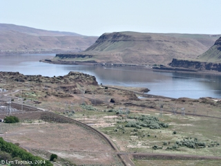 Image, 2004, Mouth of the John Day River from Washington State Highway 14, click to enlarge