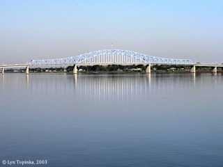 Image, 2003, Pasco-Kennewick Bridge, Washington, click to enlarge