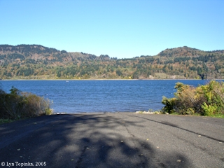 Image, 2005, Towards boat ramp, Dalton Point, Oregon, click to enlarge