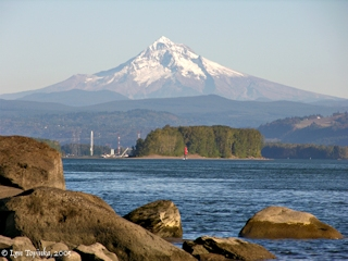 Image, 2005, Mount Hood, Oregon, from Fishers Landing, Washington, click to enlarge
