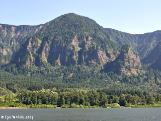 Image, 2005, Yeon Mountain from Skamania Landing, click to enlarge
