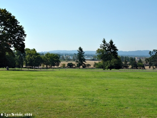 Image, 2006, Columbia River from Officers Row, click to enlarge
