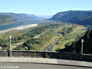 Image, 2006, Columbia River Gorge, as seen from Crown Point, click to enlarge