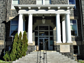 Image, 2006, Courthouse, St. Helens, Oregon, click to enlarge