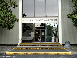 Image, 2007, Courthouse, St. Helens, Oregon, click to enlarge