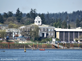 Image, 2007, St. Helens, Oregon, from near mouth Lewis River, click to enlarge