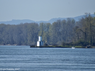 Image, 2007, Warrior Rock Lighthouse, Sauvie Island, click to enlarge