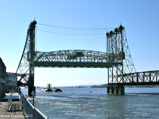 Image, 2011, Interstate-5 Bridge, Vancouver, Washington, click to enlarge
