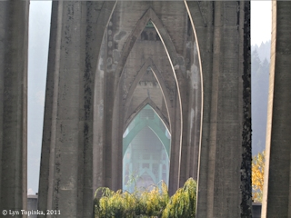 Image, 2011, St. Johns Bridge, Cathedral Park, Oregon, click to enlarge