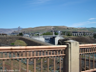 Image, 2011, The Dalles Navigation Lock, The Dalles, Oregon, click to enlarge