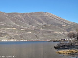 Image, 2013, Haystack Butte from Celilo Park, Oregon, click to enlarge