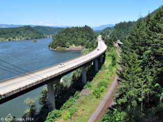 Image, 2014, Interstate 84, Bonneville Reservoir, Historic Columbia River Highway State Trail, click to enlarge