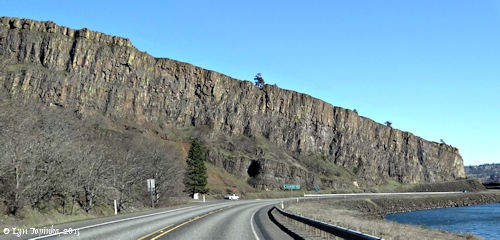 Image, 2015, Coyote Wall, Washington State Highway 14, Bingen, Washington, click to enlarge