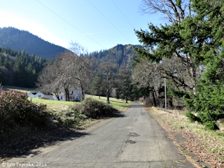 Image, 2016, Mitchell Point Drive, Oregon, click to enlarge