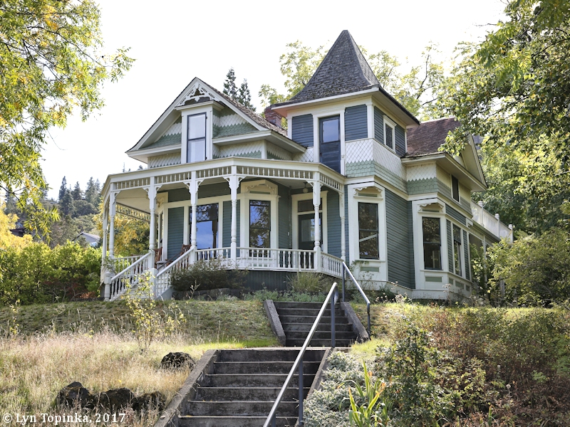 Amazing The Columbia River Mosier Oregon Home Interior And Landscaping Oversignezvosmurscom
